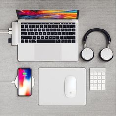 Satechi Type-C Pro Hub, Wireless Headphones, Wireless Charger, Mouse Pad, and Keypad High Tech Gadgets, Electronics Gadgets, Technology Gadgets, Cheap Gadgets, Technology Apple, Computer Gadgets, Technology Logo, Technology Design, Energy Technology