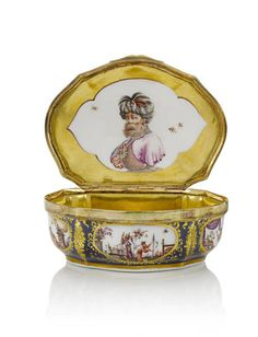 """Meissen """"Chinoiserie"""" snuff boxes from the Helmut Joseph Collection"""