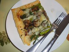 Mystery Lovers' Kitchen: Asparagus Tart with Puff Pastry, Cheese and Mushrooms #recipe #CleanSweepWeek @AbbottMysteries