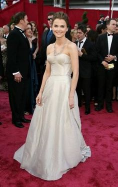 Keri Russell - lovely color lovely dress, plain and classic