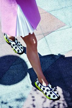 Christian Dior unveils a new collection of couture trainers for Christian Dior Couture, Dress With Sneakers, Sneakers Fashion, Dior Sneakers, New Trainers, Pumped Up Kicks, Dior Shoes, Dior Fashion, Fashion Accessories
