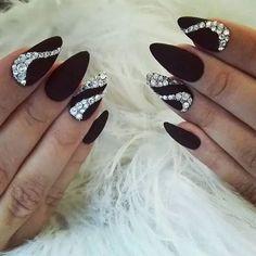 Maroon Mountain Peak Nails with Silver Swirls Matte Nail Art, Matte Black Nails, Stiletto Nail Art, Gold Nails, Nail Nail, Diy Nails, Swag Nails, Nail Polish, Diamond Nail Designs