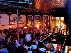 Interior da Gafieira Estudantina, tradicional casa de danças de salão no centro do Rio de Janeiro - foto publicada pelo jornal Metro (Publimetro) em 2006.