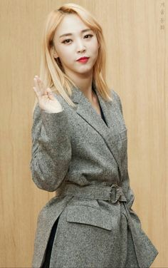 Moonbyul + Mamamoo + Moon Byul Yi
