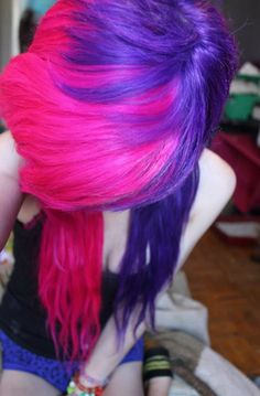 Pink and purple emo hair Emo hair is awesome -Grace M Misfit My Hairstyle, Pretty Hairstyles, Scene Hairstyles, Funky Hairstyles, Formal Hairstyles, Wedding Hairstyles, Pelo Emo, Pink Purple Hair, Lilac Hair