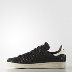 online retailer 1bdba e4faf A legend born on the tennis courts, the Stan Smith has been showing off its  winning style since This fashionable spin on the iconic womens shoe shows  off a ...