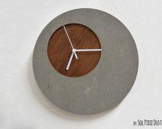 Reloj de pared de hormigón con el agujero de por SolPixieDust