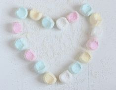 FLUFFY PASTEL COCONUT MARSHMALLOWS - Passion 4 baking :::GET INSPIRED::: Liquorice Recipes, Shredded Coconut, Marshmallows, Pastels, Crochet Necklace, Things To Come, Passion, Candy, Homemade