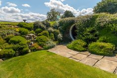 Who knew a Hobbit-style abode could be so exquisite?