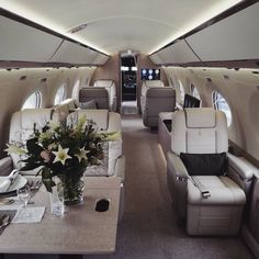 Interiors of craft Luxury Jets, Luxury Private Jets, Private Plane, Nissan 370z, Gulfstream G650, Private Jet Interior, Luxe Life, Aircraft Design, Living Room Colors