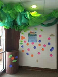 Weird Animals VBS - Needed supplies are written on bright colored flowers. Congregation can purchase and return to tree (barrel). Vbs Themes, Off The Map, Table Clothes, Catholic Kids, Green Table, Kids Class, Vacation Bible School, Animal Decor, Church Ideas