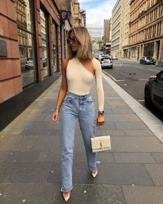 Bodysuit goals Source by michelleinfusino outfits going out Chic Outfits, Trendy Outfits, Fall Outfits, Fashion Outfits, Womens Fashion, Fashion Tips, Fashion Trends, Hijab Fashion, Casual Bar Outfits