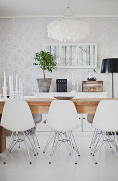 design,tuolit,design tuoli,ruokapöytä,ruokailuryhmä,moderni,tyylikäs,puu,vaalea,koriste-esineet,ruokailutilat,ruokailutilan sisustus,ruokahuoneen sisustus
