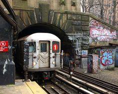 DYCKMAN STREET SUBWAY STATION   DYCKMAN STREET   INWOOD   MANHATTAN   NEW YORK CITY   USA: *New York City Subway: IRT Broadway-Seventh Avenue Line*