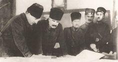 Çok nadir fotoğraflardan biri... Mustafa Kemal, Fevzi Çakmak ile İzmir'deki tatbikatta.  İzmir, 15 Şubat 1924