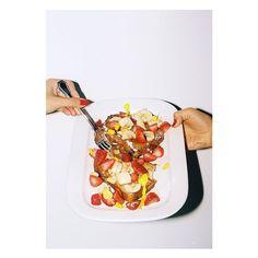 Desayunos nutritivos y energéticos para los primeros fríos: frutas de estación, yogur natural con granola y miel orgánica; french toasts y una selección de infusiones. #Breakfast #Mornings #CasaCavia #BuenosAires