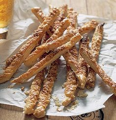 Quick cheese straws Crispy Rolls, Cooking Tips, Cooking Recipes, Chocolate Mouse, Cheese Straws, Food Categories, Quick Meals, Cheddar Cheese, Vegetarian