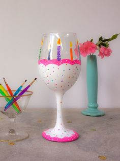 - Includes an 18.5 oz wine glass, pack of 5 synthetic brushes, stencil, enamel paints, rubber bands, alcohol cleaning pads, battery operated tea light, and easy to follow step by step instructions - D