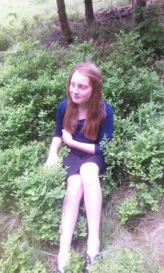 Zuzanna is verry beauty girl. She has beauty long hair and beauty dark green eyes. She been beauty woman.