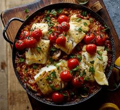 Cook Joe Wicks' post-workout risotto with cod for a perfect refuelling dinner. It's low in calories and fat, and serves one of your five-a-day. Cod Recipes, Fish Recipes, Seafood Recipes, Vegetarian Recipes, Cooking Recipes, Healthy Recipes, Lean Recipes, Cooking Ribs, Cooking Turkey