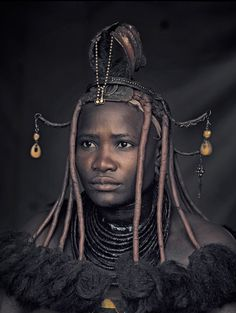 "Himba woman, Namibia, in Jimmy Nelson's photo serie ""Before they pass away"""