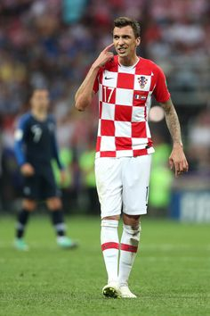 Mario Mandzukic Photos - Mario Mandzukic of Croatia reacts during the 2018 FIFA World Cup Final between France and Croatia at Luzhniki Stadium on July 2018 in Moscow, Russia. - France v Croatia - 2018 FIFA World Cup Russia Final Soccer World Cup 2018, Fifa World Cup, Manchester United, Real Madrid, Russia World Cup, Barcelona, World Cup Final, Football Players, Croatia