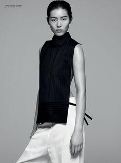 Liu Wen photographed by Joachim Mueller Ruccholtz for Rika light of china Liu Wen, Black And White Outfit, Black White, Minimal Fashion, White Fashion, Daily Fashion, Fashion Beauty, Looks Style, My Style