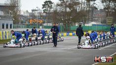 Les pilotes du Championnat de France FFSA Junior Karting dans les starting-blocks