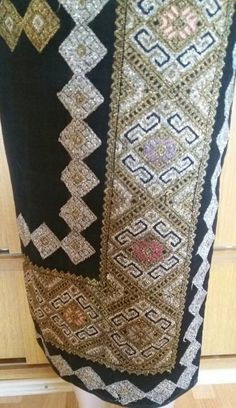 Romania, Costumes, Country, Rugs, Blouse, Decor, Farmhouse Rugs, Decoration, Dress Up Clothes