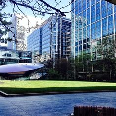 #london #canarywharf #uk #financialcenter #buildings #architecture #design #generalcity #londoncity #sunnyday #finance #goodday #bank #financeinstitution #money #wednesday #europe #workinlondon #perfectview #perfectcity #moderncity #building #travel #traveluk #popular by fa_fa_ra_fa