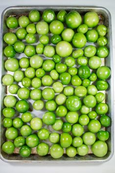 Oven Roasted Tomatillos - How to Cook Tomatillos Recipe Roasted Tomatillo Salsa, Tomatillo Sauce, Tomitillo Recipes, Gourmet Recipes, Mexican Food Recipes, Healthy Recipes, Healthy Food, Pico De Gallo, Tomatoes