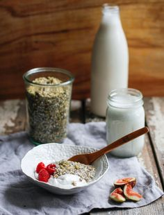 Super Seed Muesli with Hemp Milk is a delicious breakfast or snack recipe with rich seeds, protein, and fiber. Learn how to make hemp milk. Milk Recipes, Raw Food Recipes, Snack Recipes, Brunch Recipes, Muesli Recipe, Hemp Milk, Vegan Breakfast Recipes, Breakfast Bowls, Breakfast Ideas