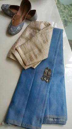 68 New Ideas Dress Pattern Sewing Women Simple Simple Blouse Designs, Sari Blouse Designs, Saree Blouse Patterns, Dress Sewing Patterns, Pattern Sewing, Simple Sarees, Trendy Sarees, Stylish Sarees, Cotton Saree Designs