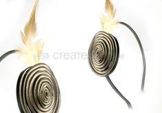 Diadema forrada con pluma