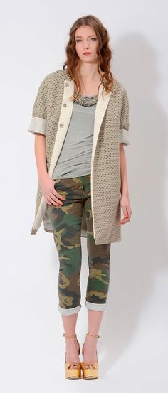 #military #camouflage #pants and a #bonton #coat for an amazing contrast!