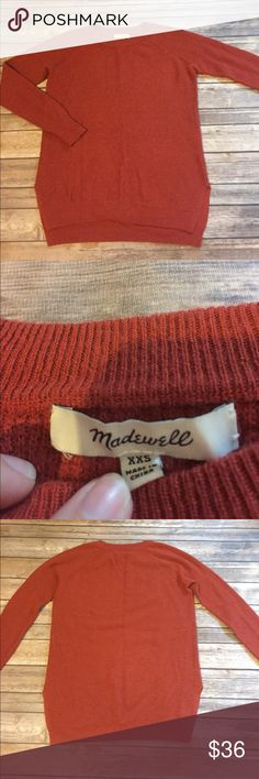MADEWELL sweater This Madewell sweater is size xxs, in excellent preloved condition (no known stains or defects), and comes in a beautiful rust color perfect for fall and winter Madewell Sweaters Crew & Scoop Necks