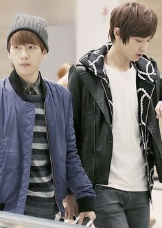 Chanbaek ❤️ aw is it just me or didnt this look like they should've held hands ^.^