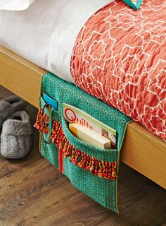 Stitch a quick bedside caddy from a table runner with this quick-to-stitch tutorial.