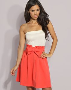 Cute skirt with bow.