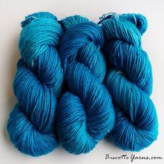 Merino & Silk hand-dyed Albus yarn - Frozen Blue - Biscotte yarns