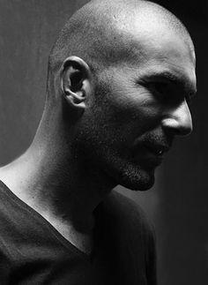 Zinedine Zidane  www.vincenturbani.com