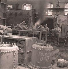 Officina di Pietrarsa - 1975. Operai al lavoro.