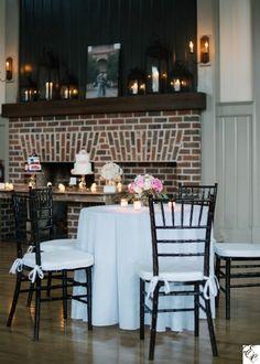 White wedding | I'on Creek Club | Charleston wedding | Designed by Engaging Events