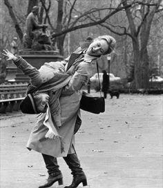 Kramer by Robert Benton, 1979 (Dustin Hoffman, Meryl Streep, Justin Henry, Jane Alexander) Meryl Streep, Female Actresses, Actors & Actresses, Kramer Vs Kramer, Celebridades Fashion, Nostalgia, Dustin Hoffman, Winter Mode, Exciting News