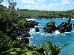 Road to Hana-Wainapanapa State Park Overlook-Maui