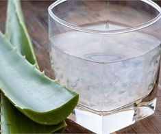 Drink Aloe Vera Juice Drinking small amounts of Aloe Vera juice can provide you with a ton of health benefits. Aloe Vera is super hydrating, which can give you softer and suppler skin. Acid Reflux Home Remedies, Home Remedies For Heartburn, Heartburn Relief, Relieve Constipation, Reflux Gastrique, Stop Acid Reflux, Lose Weight Naturally, Aloe Vera Gel, Natural Remedies