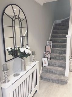 Trendy Stairs Runner Gray Banisters Effective Images We . - Trendy Stairs Runner Gray Banisters Effective pictures that we offer via Hoffz venster - Stairs In Living Room, Living Room Decor Cozy, House Stairs, Home Living Room, Hallway Inspiration, Home Decor Inspiration, Cozy Home Decorating, Grey Hallway, Flur Design