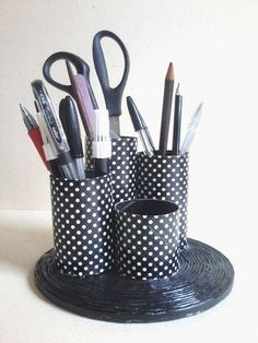 Crafts Dude added a new photo. Toilet Paper Roll Crafts, Cardboard Crafts, Paper Crafts, Recycled Tin Cans, Recycled Crafts, Tin Can Crafts, Craft Stick Crafts, Home Crafts, Diy And Crafts