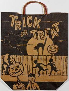 Trick of Treat bags Halloween Taschen, 1960s Halloween, Vintage Halloween Images, Halloween Items, Halloween Pictures, Scary Halloween, Fall Halloween, Happy Halloween, Halloween Decorations