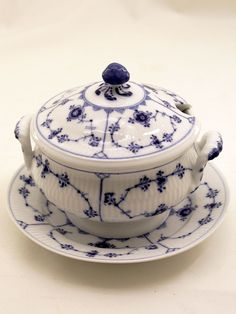 Blue And White China, Royal Copenhagen, Blue Plates, Decorative Objects, Tea Time, Scandinavian, Blues, Table, Collection